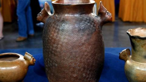Antiques Roadshow -- S16 Ep15: Appraisal: Sara Ayers Catawba Pottery, ca. 1970