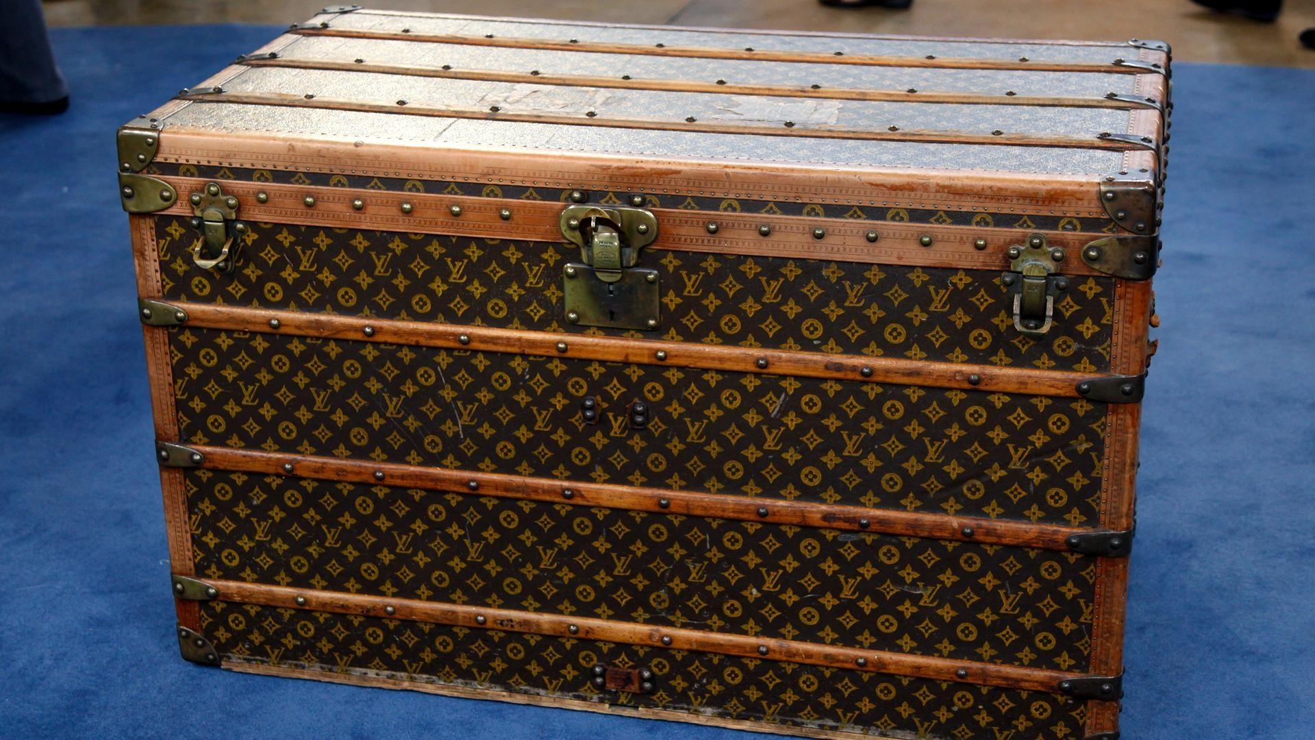 appraisal louis vuitton steamer trunk ca antiques roadshow pbs