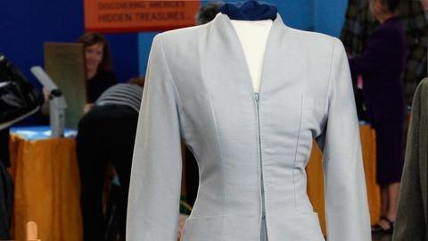 Antiques Roadshow -- S15 Ep15: Appraisal: 1943 Olivia de Havilland Movie Suit