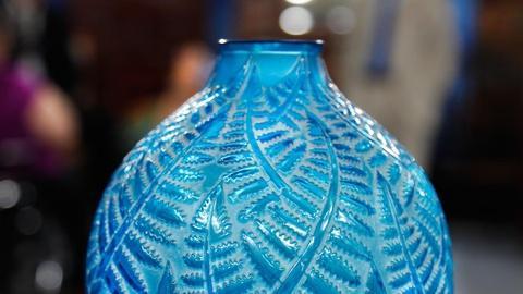 """Antiques Roadshow -- S16 Ep3: Appraisal: 1927 Rene Lalique """"Espalion"""" Vase"""