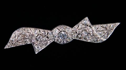 Antiques Roadshow -- S15 Ep10: Appraisal: 20th C. Diamond Jewelry