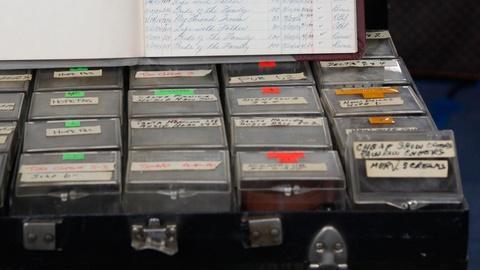 "Antiques Roadshow -- S15 Ep5: Appraisal: 1953 Charlie Douglass ""Laff Box"""