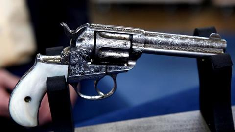 Antiques Roadshow -- S16 Ep5: Appraisal: Colt Revolvers & Holster