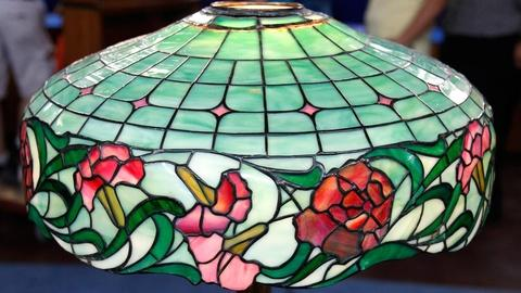 Antiques Roadshow -- S16 Ep12: Appraisal: 20th C. Tiffany-Style Lamp