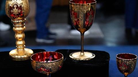 Antiques Roadshow -- S15 Ep6: Appraisal: Moser Style Glass Pieces, ca. 1900