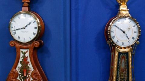 Antiques Roadshow -- S16 Ep13: Appraisal: Elmer Stennes Wall Clocks, ca. 1970