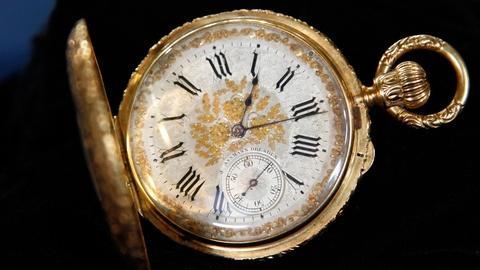 Antiques Roadshow -- S16 Ep2: Appraisal:Julius Assmann Gold Half-Hunter Watch, ca