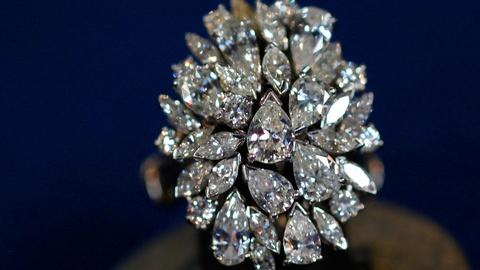 Antiques Roadshow -- S15 Ep2: Appraisal: Diamond & Platinum Jewelry Collection, c