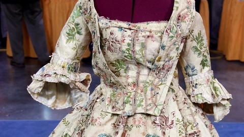 Antiques Roadshow -- S16 Ep14: Appraisal: French Brocade Dress, ca. 1775