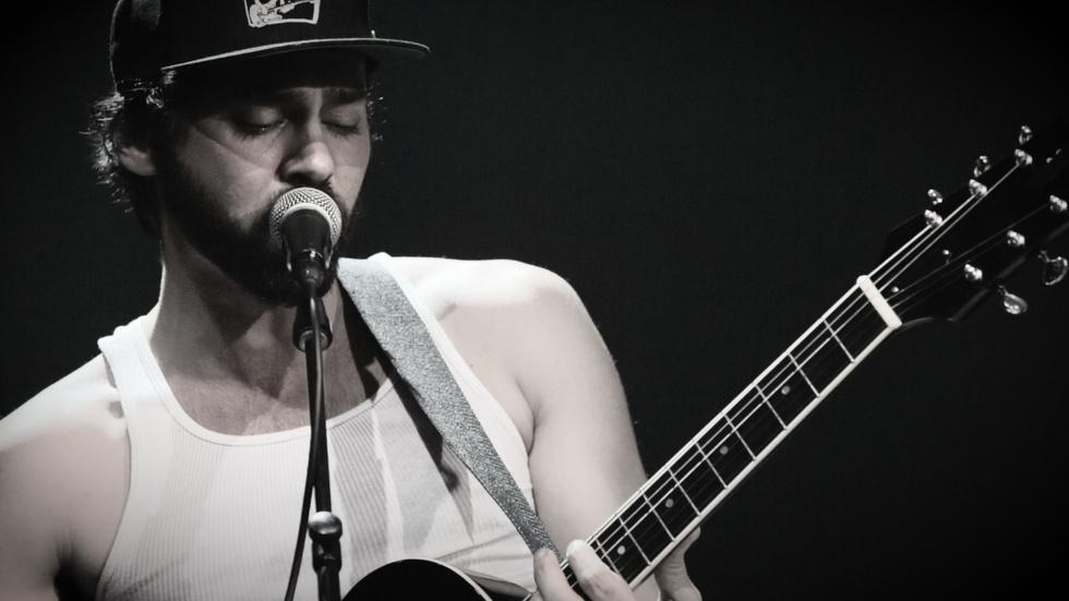 Behind the Scenes: Shakey Graves image