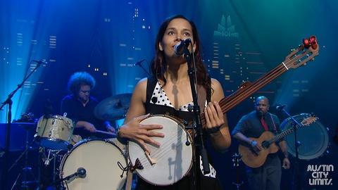 "Austin City Limits -- Rhiannon Giddens ""Spanish Mary"""