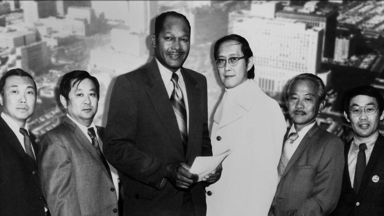Bridging the Divide: Tom Bradley and the Politics of Race: Historic Election of 1st Black Mayor of Majority White City