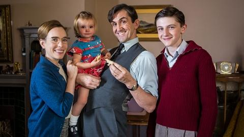 Call the Midwife -- S5: Behind the Scenes | The Turner Family