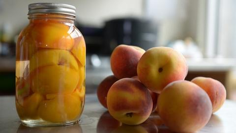 Preview: Season 3, Ep. 2: Pretty In Peach