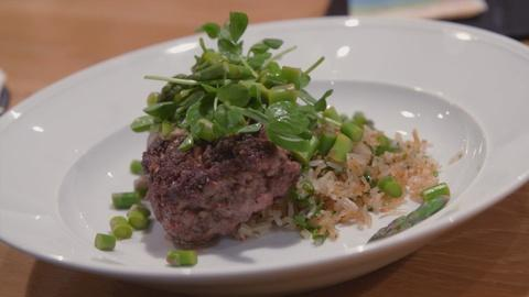 A Chef's Life -- S3 Ep12: Hamburger Steak with Red Pea  and Onion Gravy