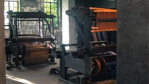 Craft in America -- S5: Explore weaving in Asheville