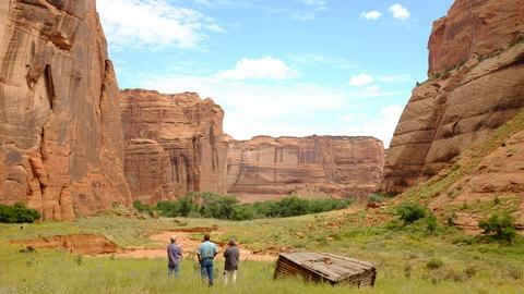 Craft in America -- S8: Oscar Bia on Canyon de Chelly