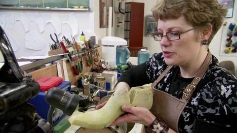 Craft in America -- Lisa Sorrell creates vamps