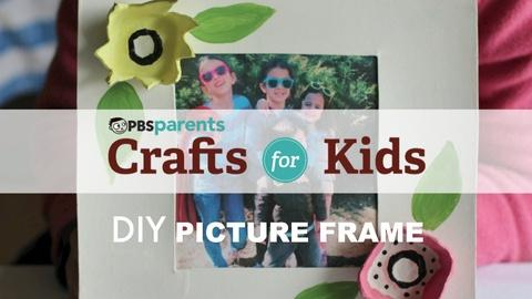 Crafts for Kids -- DIY Mother's Day Frame