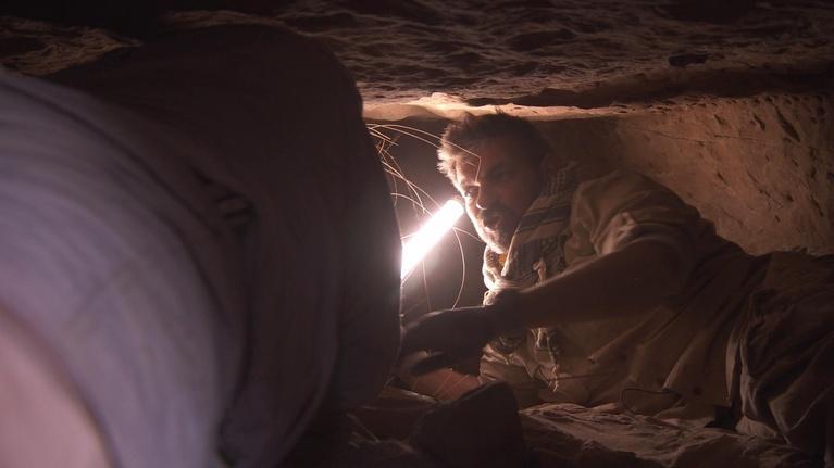 Egypt's Treasure Guardians: Tomb Diving