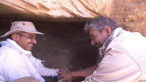Egypt's Treasure Guardians -- Undiscovered Tomb
