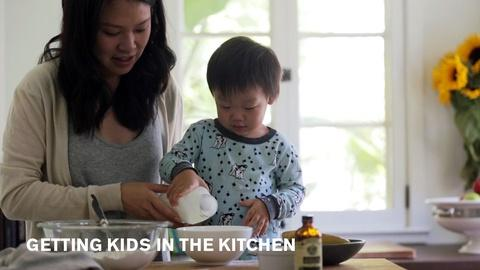 Farm to Table Family -- Tips for Getting Kids in the Kitchen
