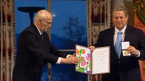 FRONTLINE -- S30 Ep21: How Al Gore Galvanized a Movement