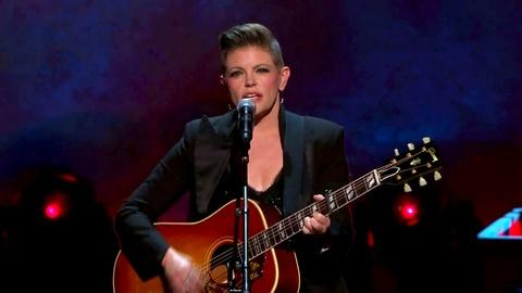 "Natalie Maines Performs ""She's Got A Way"""