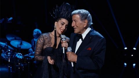 "Tony Bennett and Lady Gaga Perform ""I Won't Dance"""