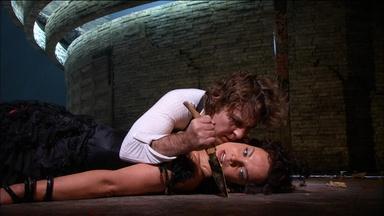 Roberto Alagna and El?na Garan?a: Final scene of Carmen