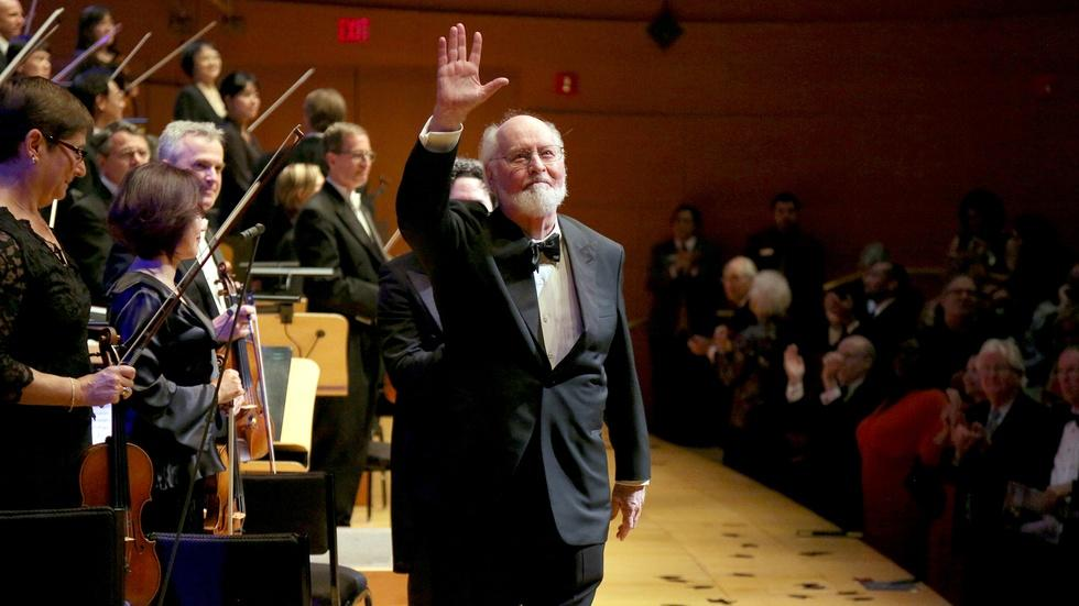 Dudamel Conducts LA Phil in John Williams Celebration - Full image