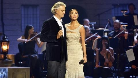 """Andrea Bocelli: Cinema - """"Don't Cry for Me Argentina"""" Duet"""