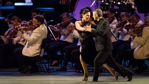 Great Performances -- S44 Ep16: Libertango | Dudamel Conducts Tangos Under the Sta
