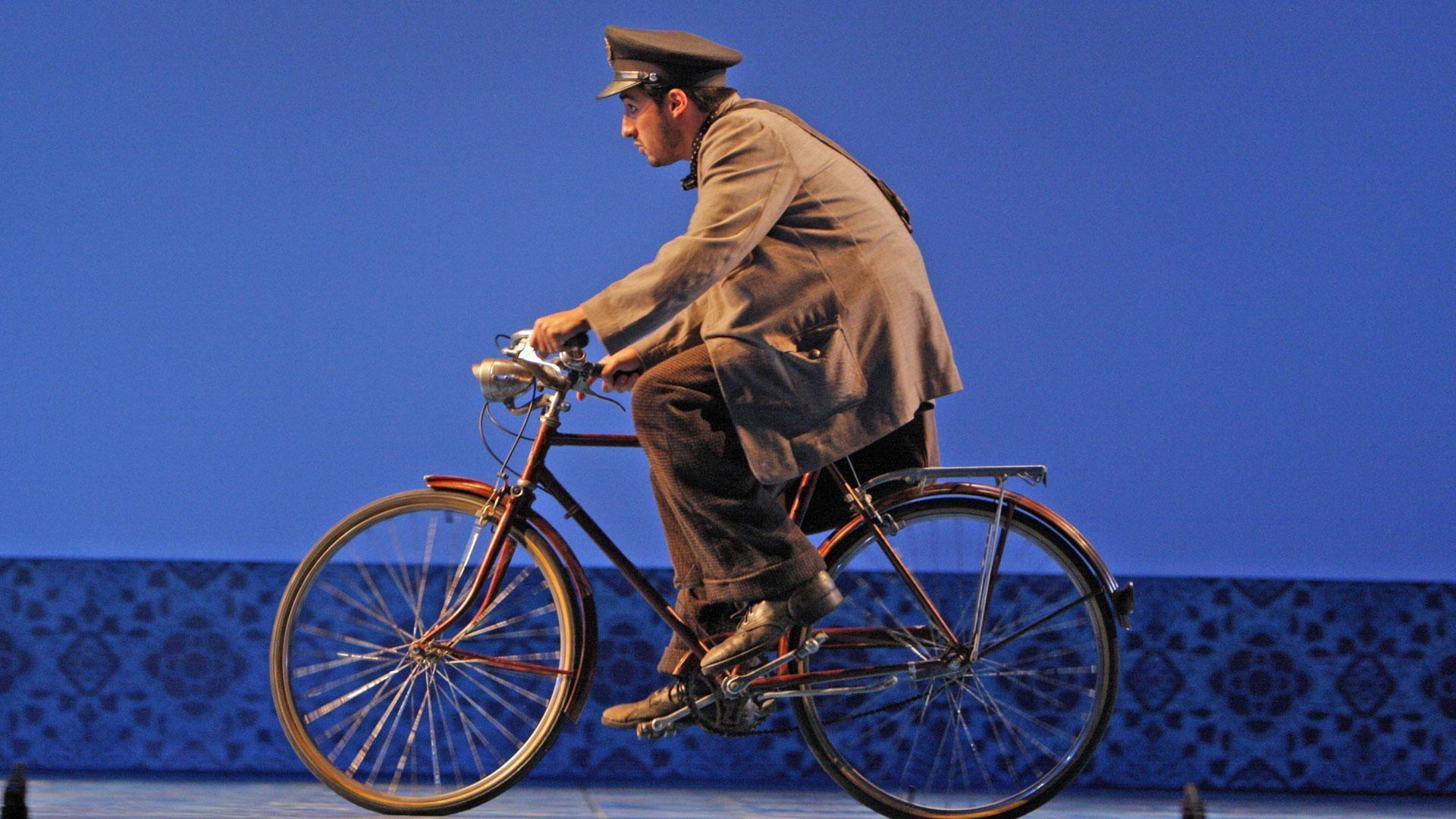 Il Postino From LA Opera | About the Opera | Great Performances