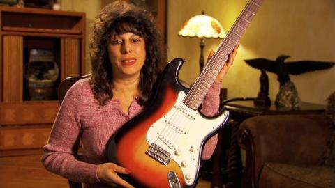 History Detectives -- S10 Ep1: Preview: Bob Dylan's Fender Stratocaster
