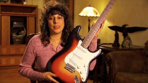 History Detectives -- Preview: Bob Dylan's Fender Stratocaster