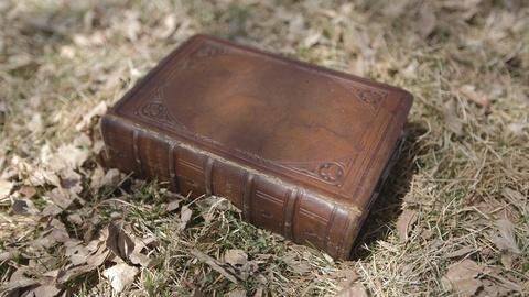 History Detectives -- S10 Ep8: Kit Carson Family Secrets
