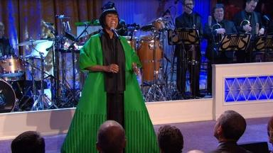 """Patti LaBelle Performs """"Over the Rainbow"""""""