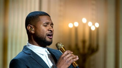 "In Performance at The White House -- Usher Sings ""Georgia on My Mind"""