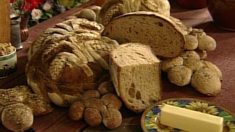 S2 E11: Decorative Sourdough Loaves with Joe Ortiz