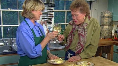 Baking With Julia -- S3 Ep2: A Three-Tiered Wedding Cake with Martha Stewart, Par