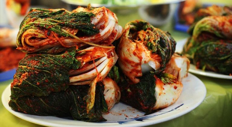 Kitchen Explorers: How to Make Kimchi