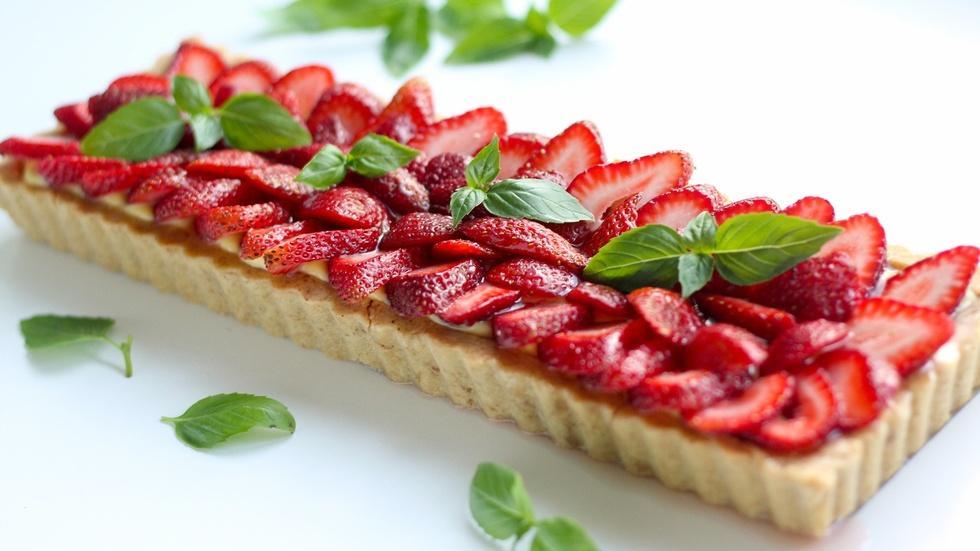Strawberry Basil Tart image