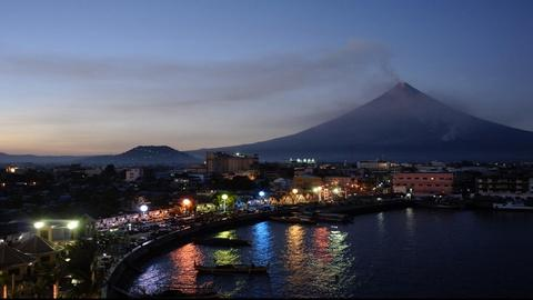 S1 E2: Volcano Doctors