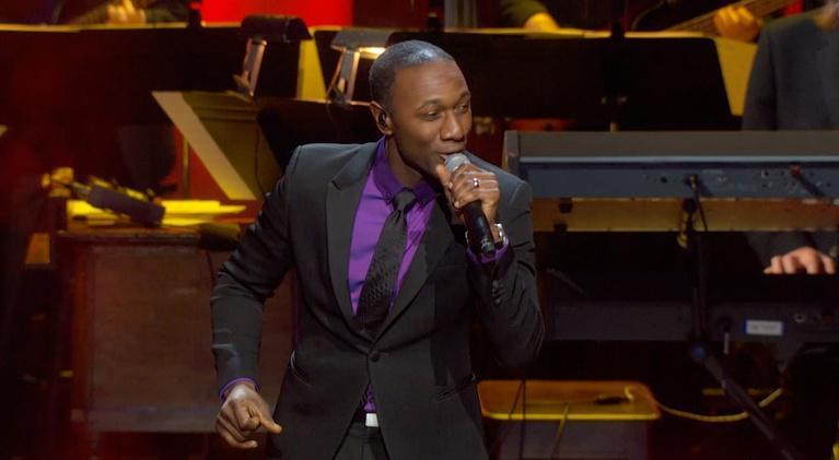 """The Lincoln Awards: Aloe Blacc performs """"Love is the Answer"""""""