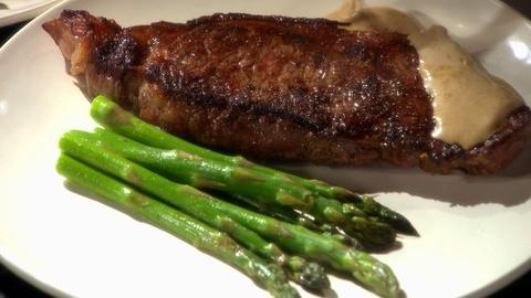 Martha Stewart's Cooking School -- Learn About Pan Searing