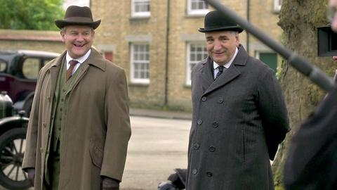 Downton Abbey - Masterpiece -- S5: Clothes & Hats SCene