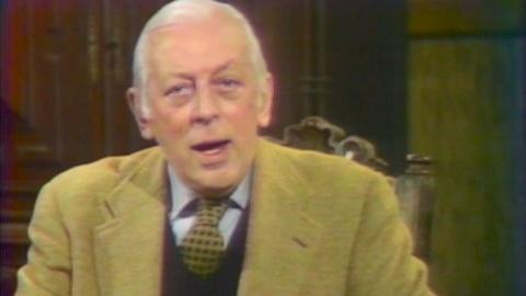 Poldark - Masterpiece -- S1: 1977 Series Introduction by Alistair Cooke