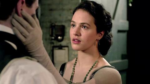 Downton Abbey - Masterpiece -- S3: Sybil and Tom