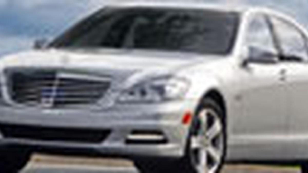 S29 e23 2010 mercedes benz s400 hybrid motorweek for Mercedes benz employee discount program